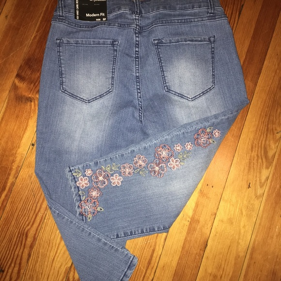 kid browse latest collections enjoy complimentary shipping 💐NEW High Waist Capri Jeans 💐 NWT